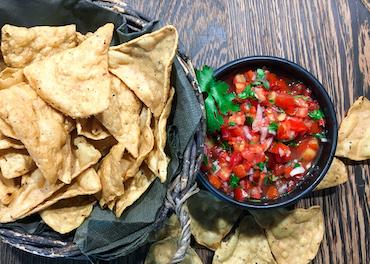 Ribelmais Rezept - Ribeltortilla-Chips mit scharfer Honig-Tomatensalsa